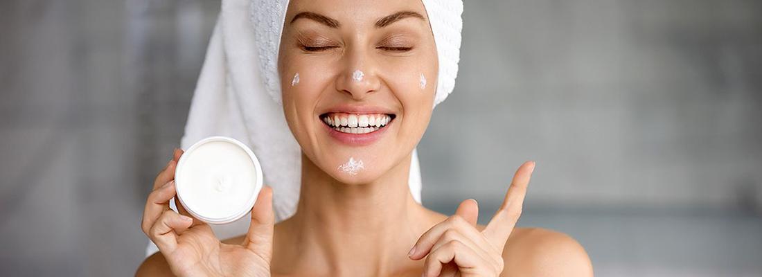 Produits cosmétiques pour le visage